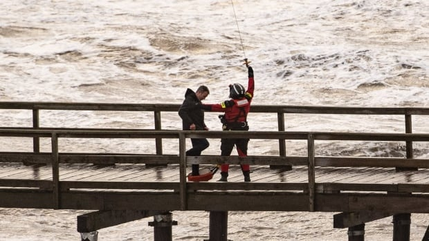 Man rescued from collapsed B.C. pier says he wants to apologize for'foolishness' thumbnail