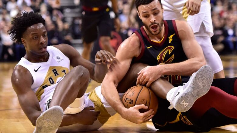Leonard S 37 Gives Depleted Raptors Easy Win Over Cavaliers Cbc Sports