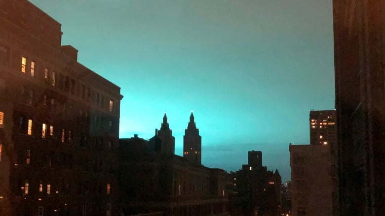 New Yorkers report blue light over the city after transformer explosion