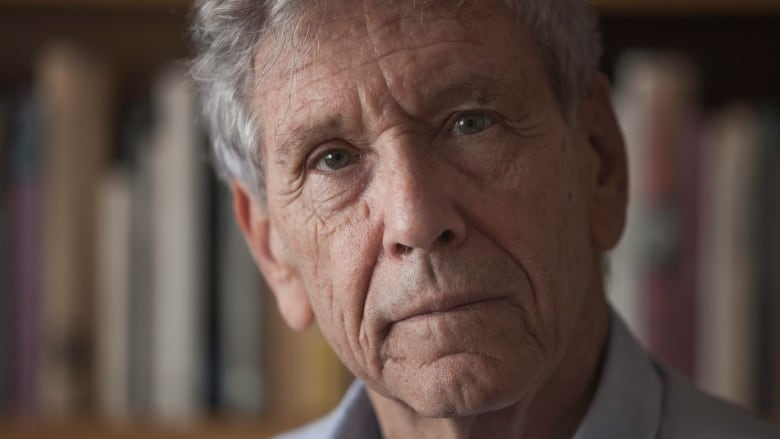 A towering voice for peace': Israeli author Amos Oz dies of