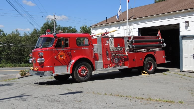 Vintage Trucks For Sale >> Fire Museum Forced To Put Vintage Trucks Up For Sale In