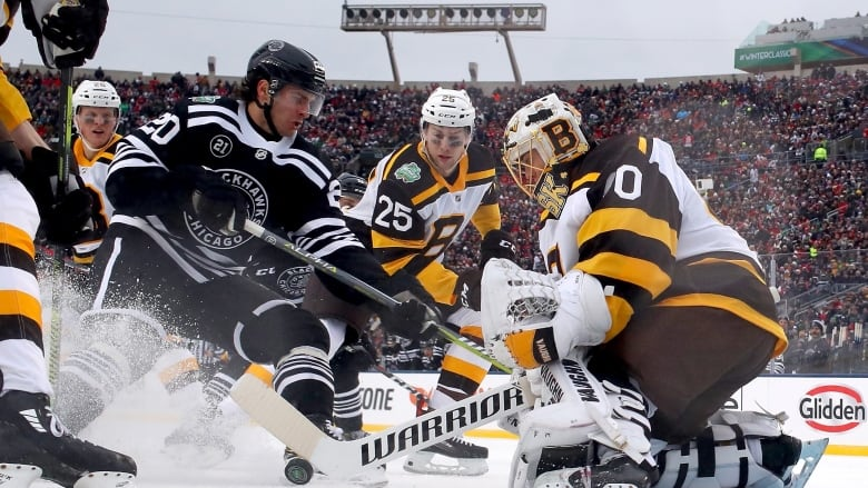 the latest e29fe 73d48 Winter Classic: Bruins defeat Blackhawks at Notre Dame | CBC ...