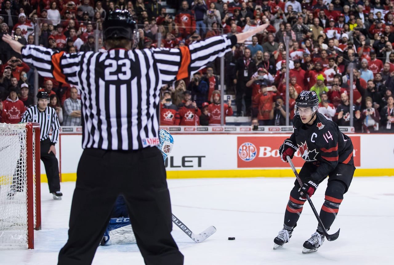 e80af09c4d6 A broken stick leads to broken hearts for Canada s world juniors ...