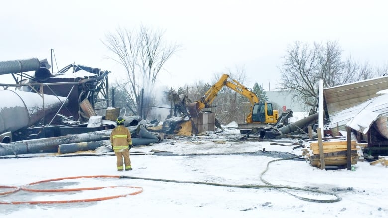 Saw Mill Building Destroyed By Fire In Pembroke Ont Cbc News