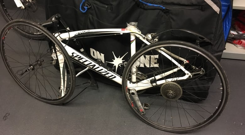 https://i.cbc.ca/1.4966437.1546627548!/fileImage/httpImage/image.jpg_gen/derivatives/original_780/stolen-bicycle.jpg
