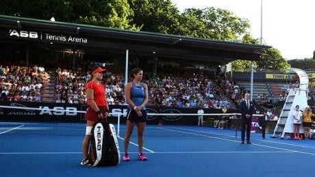 Bianca Andreescu falls in ASB Classic final