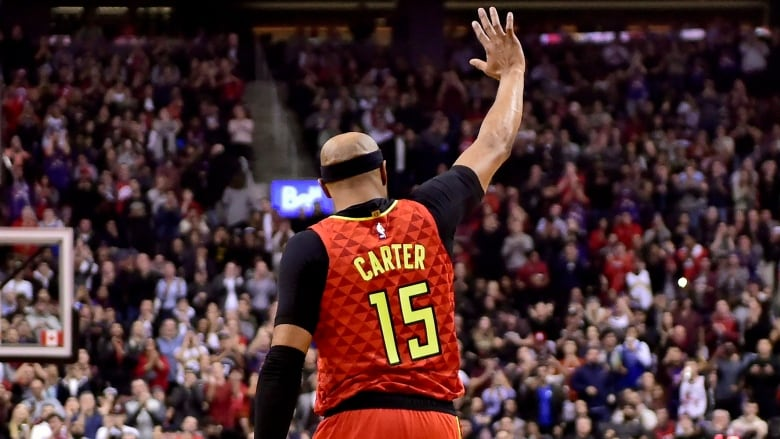 73ea2f92f74e Former Toronto Raptor Vince Carter acknowledges the Toronto fans as his  Atlanta Hawks visited Scotiabank Arena on Tuesday. (Frank Gunn Canadian  Press)