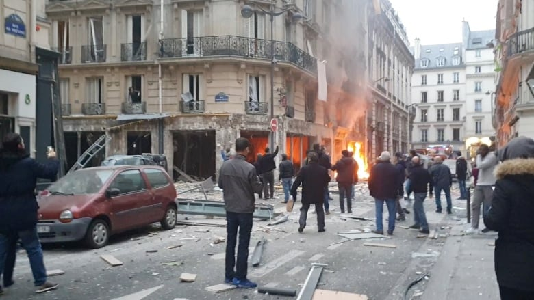 Powerful Explosion in Paris killed 3