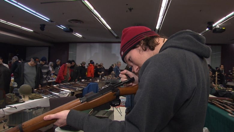 Most of Quebec's long guns still unregistered with deadline fast approaching