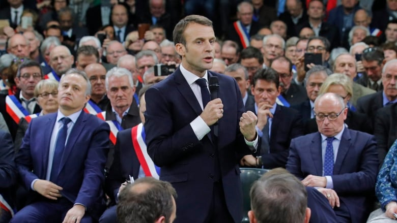 Yellow Vests: Macron to kick-off 'grand debate' in Normandy