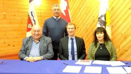 Sahtu Dene and Métis sign self-governance agreement in principle, a 1st for Métis in Canada