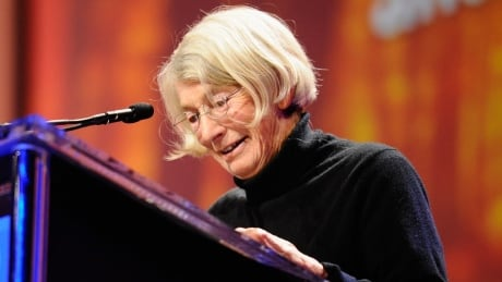 Pulitzer Prize-winning poet Mary Oliver dead at 83