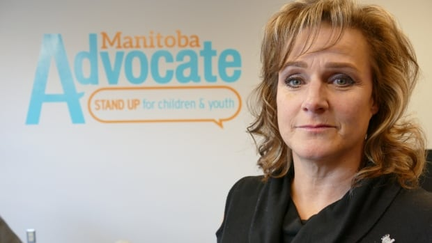 Youth with mental illnesses should have access to long-term in-patient care, new report says | CBC News