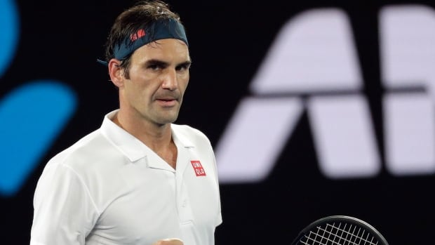 Roger Federer swiftly moves into 4th round at Aussie Open