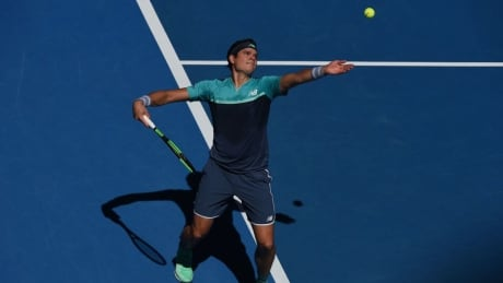Milos Raonic wins in straight sets to reach Round of 16 at Australian Open