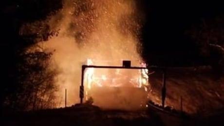 Covered bridge fire Low, Que. Jan. 19/19