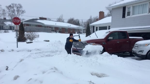 Islanders dig out as snow, freezing rain and high winds hit P.E.I.