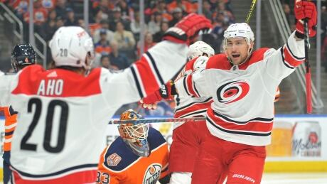 Hurricanes overwhelm Oilers as Niederreiter nets a pair