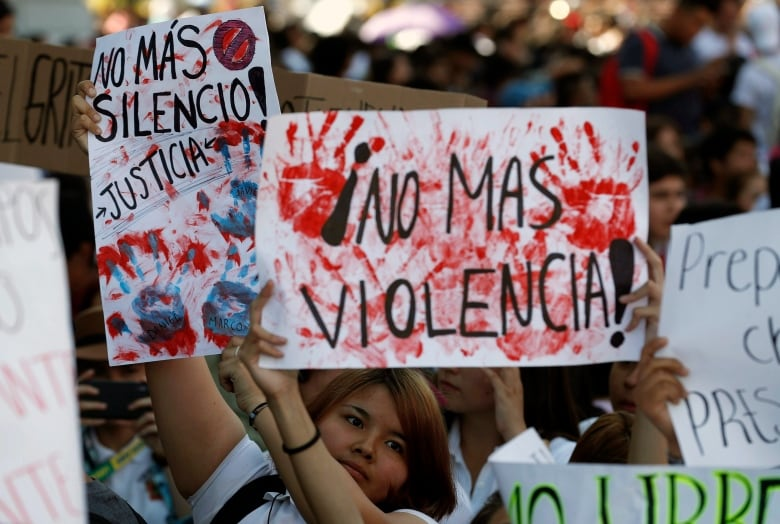 Murders in Mexico hit record high as police, government