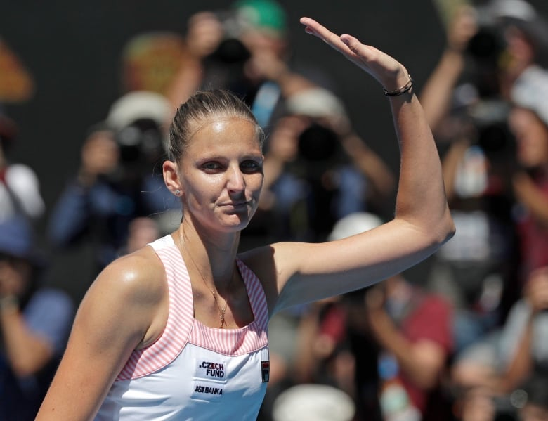 Serena knocked out of Australian Open