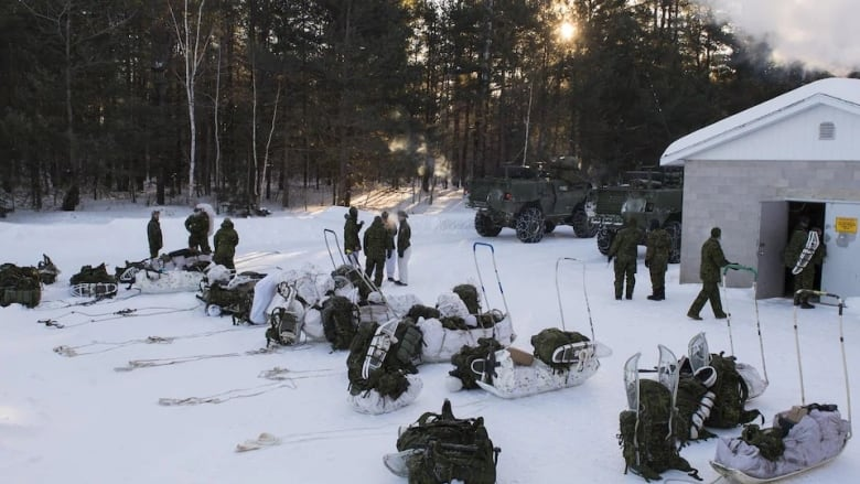 Canadian soldiers suffer frostbite during winter training