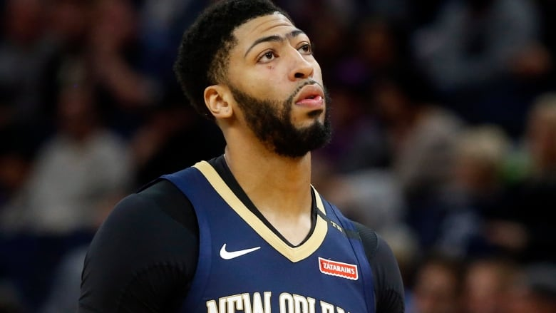 Five-time all-star Anthony Davis has told the New Orleans Pelicans he wants  to be traded. (Jim Mone Associated Press) 346402809
