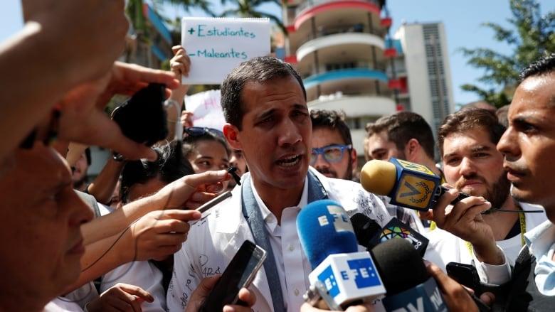 Euro MPs back interim leader in Venezuela
