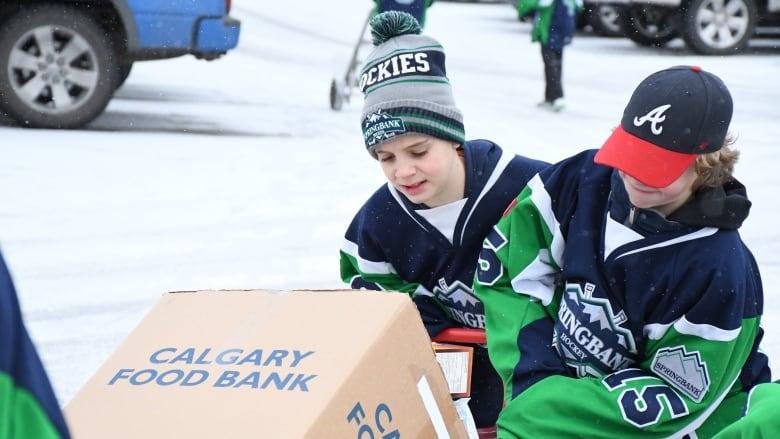 Springbank hockey team strives for $100K in nationwide ...