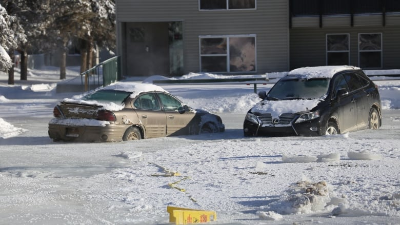 Deep freeze encases cars in ice, leaves 200 without heat in Fort McMurray