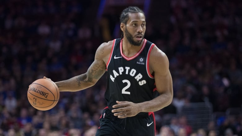 Raptors' Kawhi Leonard dealing with sore knee, out vs. Wizards
