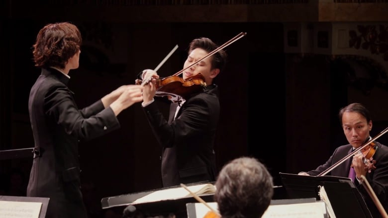 Watch Timothy Chooi play Tchaikovsky's Violin Concerto | CBC Music