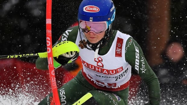 Shiffrin fights through chest cold to win 4th straight world slalom gold