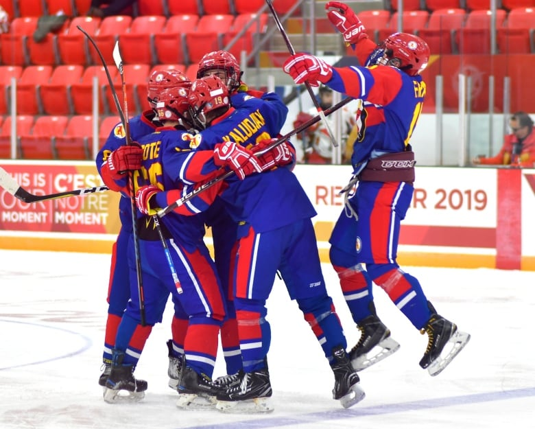 Nunavut Hockey Team Makes History And Other North Highlights At The