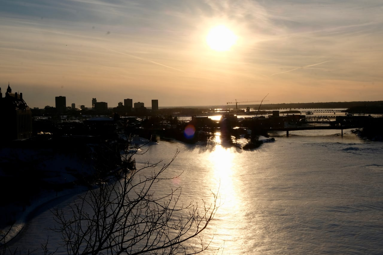 058e6a43 After a dreary weekend, it's time for some April sunshine | CBC News