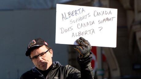 'We believe in you,' Scheer tells controversial pro-pipeline movement