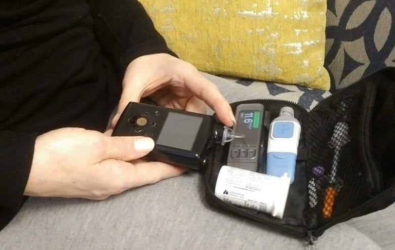 Medtronic Artificial Pancreas >> The Medtronic MiniMed 670G insulin pump system is the ...