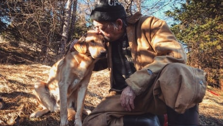 With snare around his neck, missing dog returns home to Mount Carmel a month later