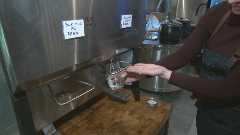 Zero-waste grocery store aims to dump all single-use
