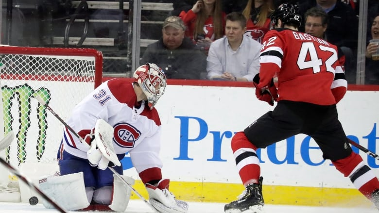 Newcomers help Devils sweep season series against Canadiens  8c70d69e2