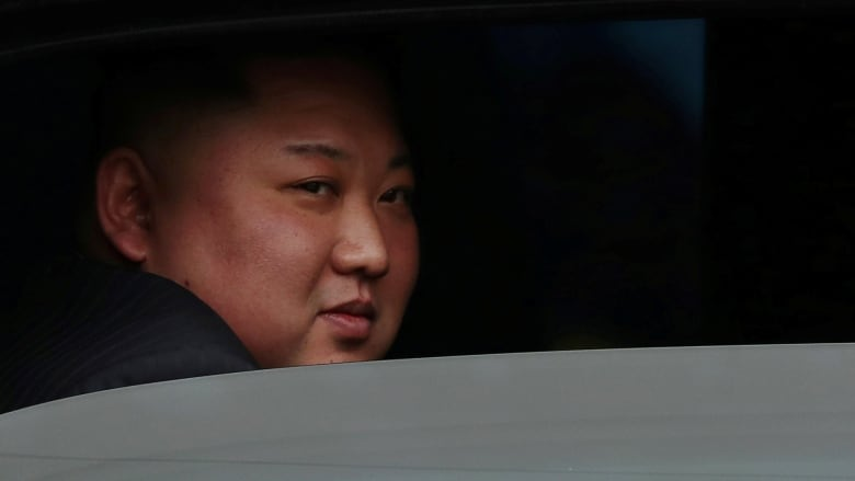 https://i.cbc.ca/1.5034152.1551205231!/fileImage/httpImage/image.jpg_gen/derivatives/16x9_780/kim-jong-un-hanoi-summit-trump.jpg