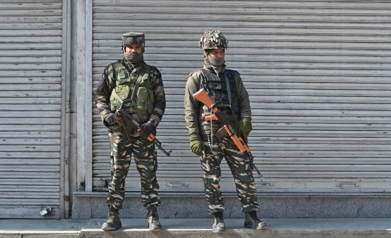 Pakistan to release captured Indian pilot as 'peace gesture'