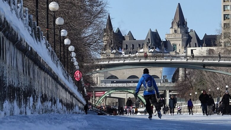 Skating and scotch? NCC aiming for bar on Rideau Canal ice