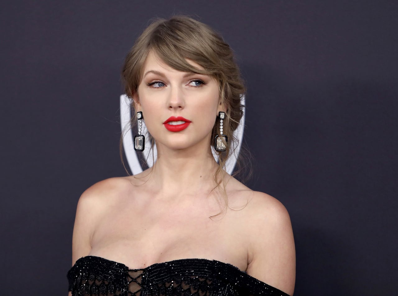 Taylor Swift Stalker Arrested Again By New York Police Cbc News