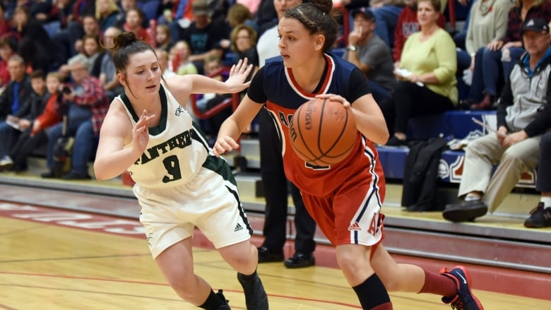 Haley Mcdonald Right Pictured In A Previous Game Had  Points For Acadia In A Loss To Saskatchewan Peter Oleskevich Acadia Athletics Cp