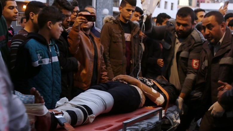 Gaza protester shot dead by Israeli troops amid clashes