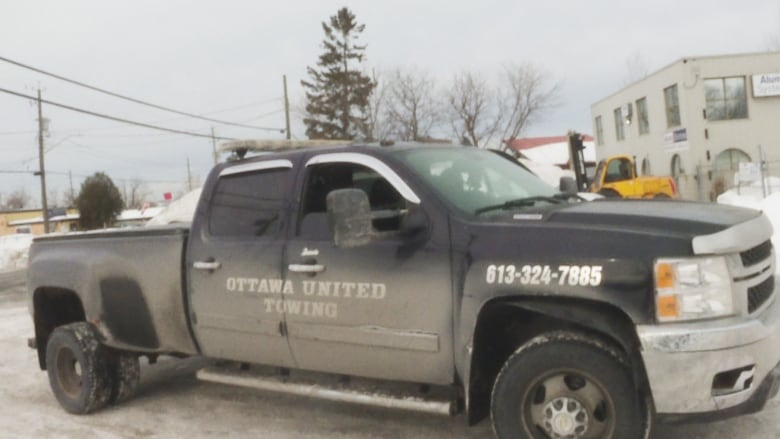Tow Truck Ottawa >> Ottawa S Wild West Towing Industry Must Change Officer Says Cbc