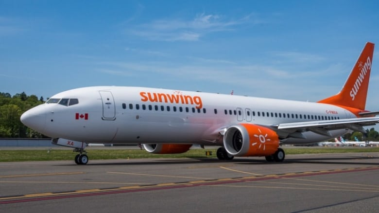 Sunwing suspends Boeing 737 Max 8 flights for 'evolving