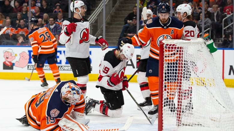 buy online 38d8e a0b50 Koskinen chased from net as Devils double up Oilers | CBC Sports