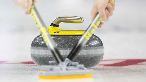 (Live at 7:30 am ET) 2019 USport & Canadian College Curling Championships on CBC - Match 1