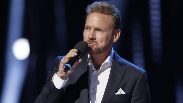 Watch Corey Hart's induction into the Canadian Music Hall of Fame